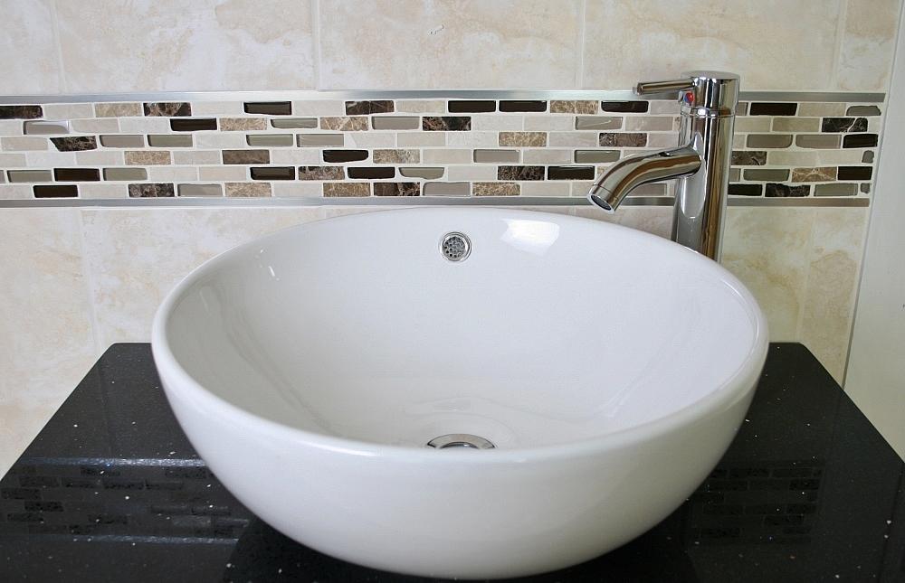 Ceramic round curved bathroom basin tap plug 025 for Ceramic bathroom bin